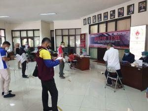 suasana Rapid Tes atlet dan Pelatih di KONI Jateng